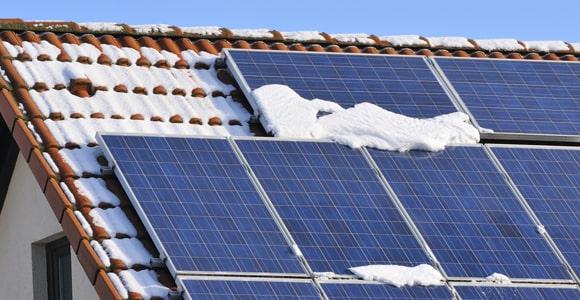 panneaux photovoltaïques en hiver : c'est la luminosité qui compte