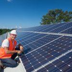 Installateur-de-panneaux-photovoltaïques-comment-le-choisir