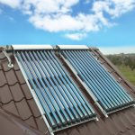 chauffe-eau solaire grâce à des panneaux solaires