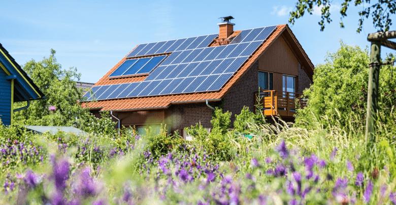 produire son lectricit avec des panneaux solaires les. Black Bedroom Furniture Sets. Home Design Ideas