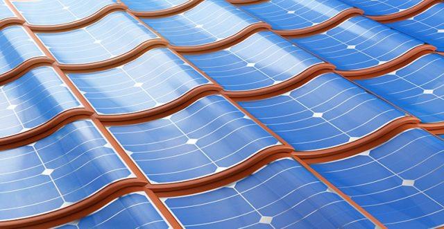 panneau solaire souple sur toit de maison