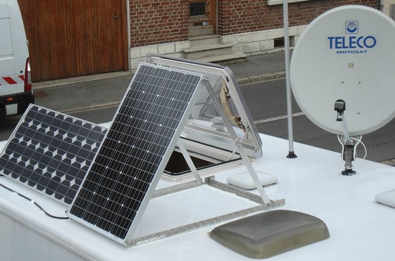 panneau solaire 12v sur camping car
